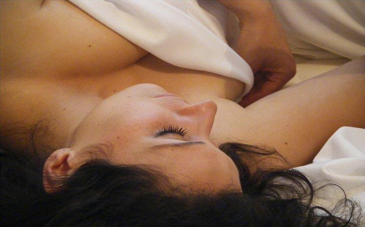 I benefici di dormire nudi…